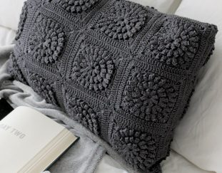 easy-and-beautiful-granny-square-crochet-pillow-pattern-images