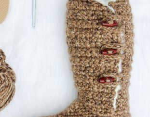 colorful-and-different-knitting-slippers-for-women-and-men