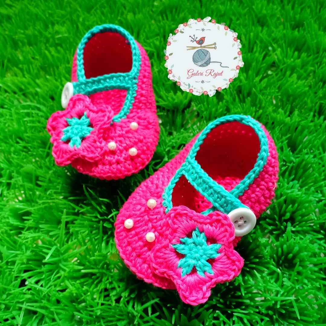 easy-crochet-baby-booties-for-beginners-new-year-new-season-2019