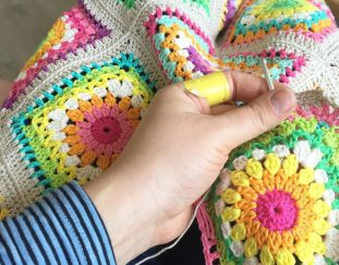 8-rainbow-crochet-blanket-patterns-for-new-2019